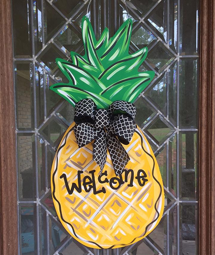 pineapple door hangers
