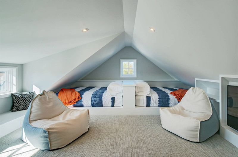 20 Upstairs Amp Attic Bedroom Interiors Full Home Living