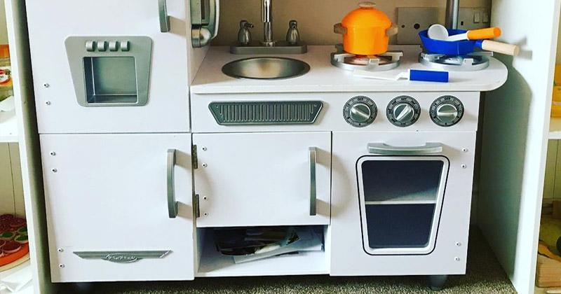 retro play kitchen