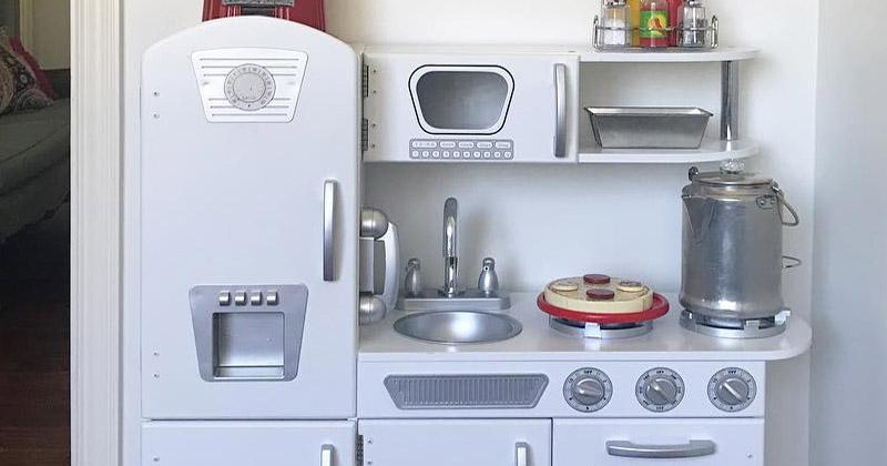 best kids play kitchens play food sets for 2018 full home living. Black Bedroom Furniture Sets. Home Design Ideas