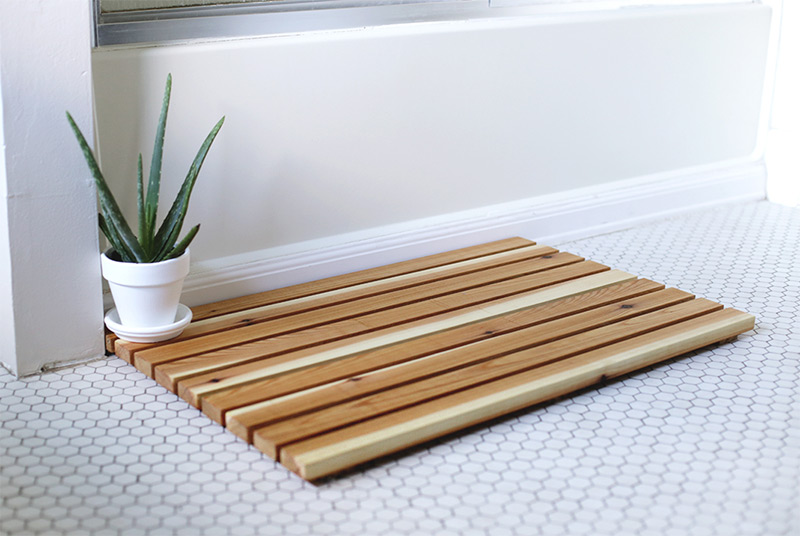 cedar wood bathmat