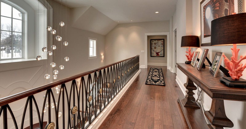 18 upstairs hallways for decorating ideas a design photo for Houses with upstairs living