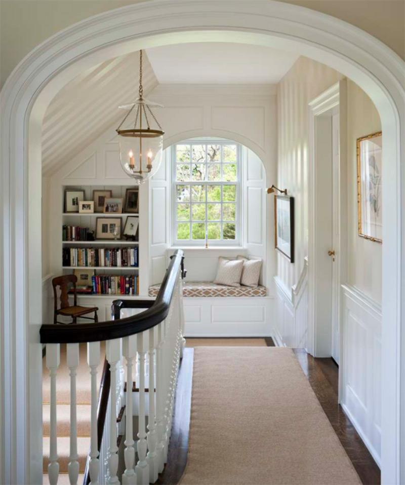 villanova upstairs carpeted hallway