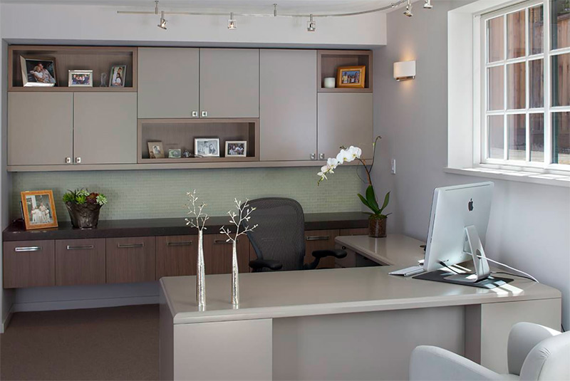 Large corner desk in tall home office room