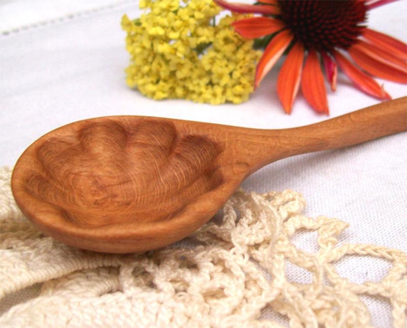 splash pattern carving wooden spoon